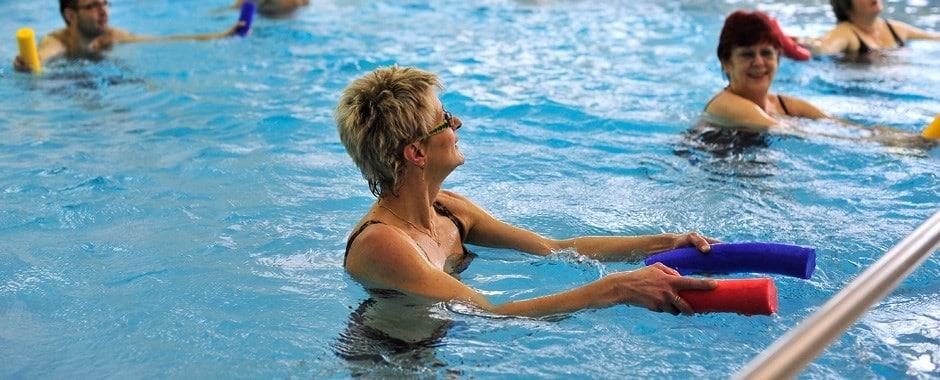 التمارين الجماعيه في المسبح ياخيموف