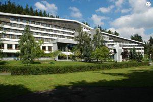 start 4 300x200 - مصحات يانسكي لازني - شركة الرفاعي لتنسيق العلاج الطبيعي في التشيك