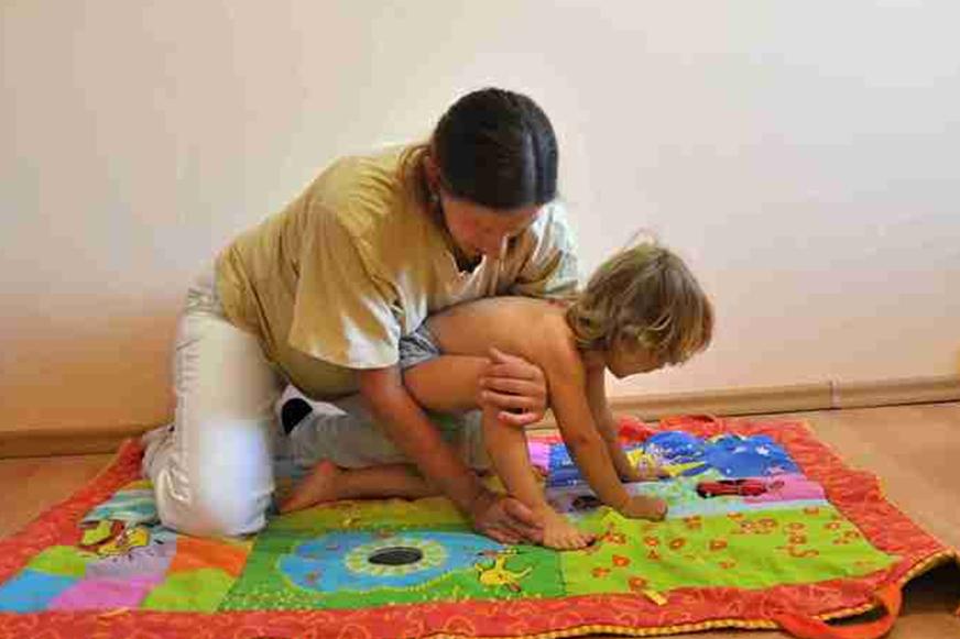 علاج شلل الأطفال في التشيك