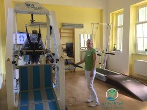 1 2 300x225 - تعرف على أهمية الأجهزة الحديثة في التشيك للعلاج الطبيعي